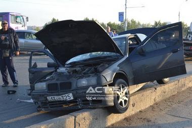 В Новосибирске разбился BMW: двое погибших